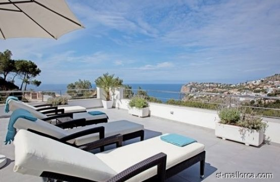 Villa with SeaViews over Cala Llamp