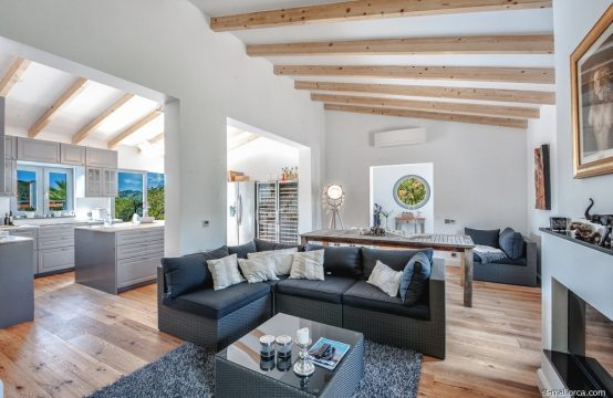 Modern reformed Finca with Pool in Andratx