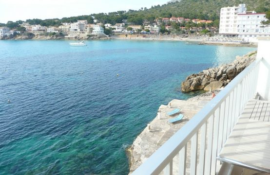 Primera Linea! En la orilla del mar en Sant Elm