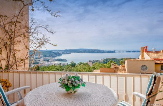 Moderno Apartamento con vistas panorámicas sobre Paguera y el Mar