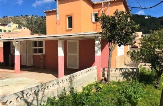 Casa unifamiliar con jardín en Paguera