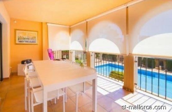 Cozy and quiet ground floor apartment with sea views in Sant Elm