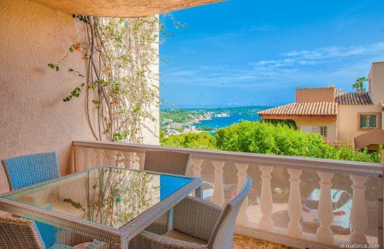 Moderno Apartamento con vistas al mar y panorámicas sobre Paguera