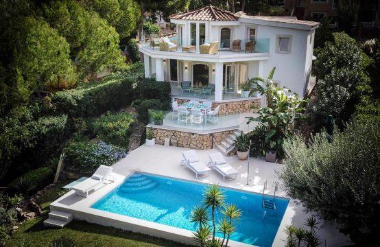 Modern villa with pool in Costa de la Calma