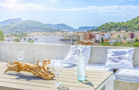 Top renovated Majorcan village house with sea views in Andratx