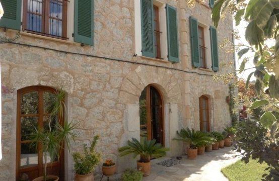 Casa de pueblo reformada en S&#8217&#x3B;Arraco