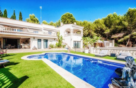 Villa familiar con Piscina y Sala de fiestas in Costa de la Calma