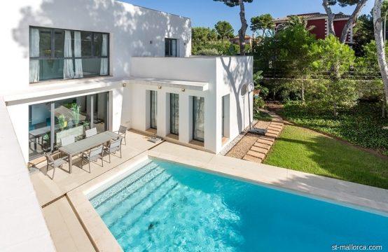 Villa moderna con piscina y jardín en Santa Ponsa