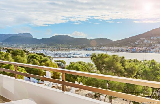Bright renovated penthouse with sea views in Puerto Andratx