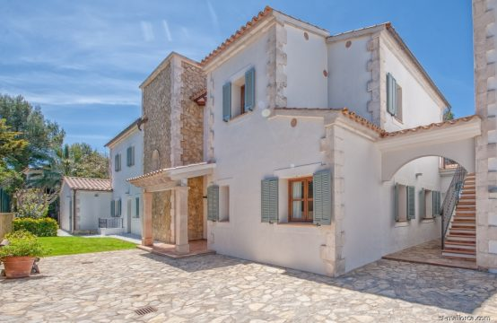Modernizada y espaciosa Villa Mallorquina