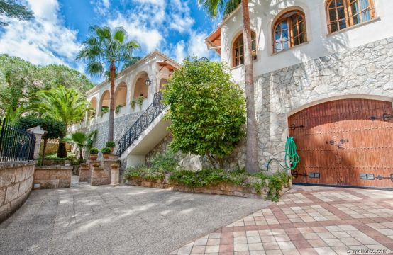 Freistehende Villa in zentraler, ruhiger Lage in Paguera