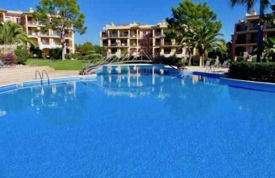 Apartamento mediterráneo en bonita residencia en Santa Ponsa