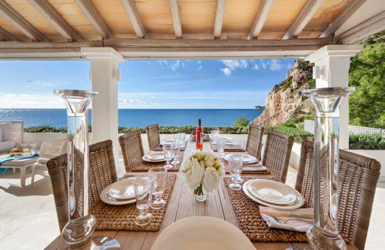 Villa en primera línea de mar con vistas a Dragonera en Puerto Andratx