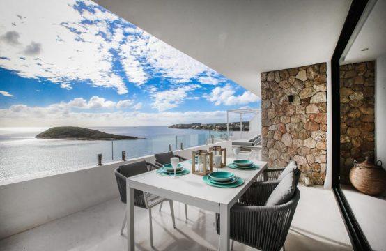 Einzigartiges Apartment in erster Meereslinie in Torrenova
