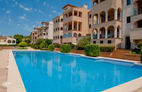 Spacious garden apartment in Sant Elm