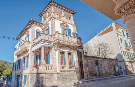Einzigartiges Stadthaus mit Garten in S'Arraco