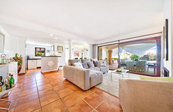 Apartamento lujoso con jardín en Santa Ponsa