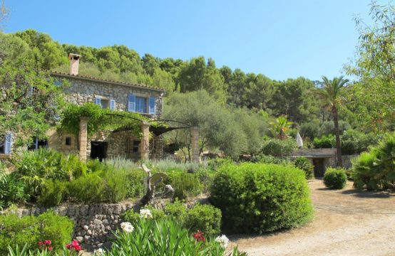 Traumhafte große Finca mit Pool in S'Arraco