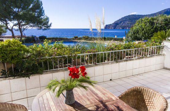 Apartment in 1. Meereslinie mit herrlichem Meerblick in Camp de Mar