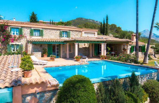 Traumhafte Finca mit Pool und Gästehaus in Es Capdella