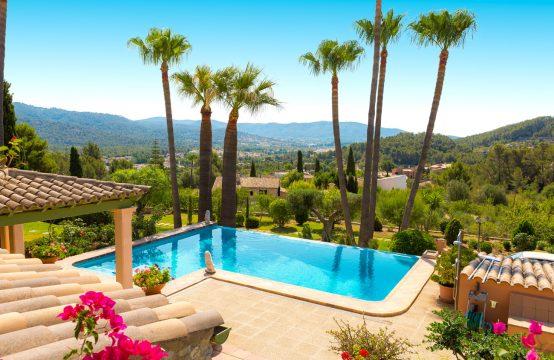 Maravillosa finca con piscina en Es Capdella