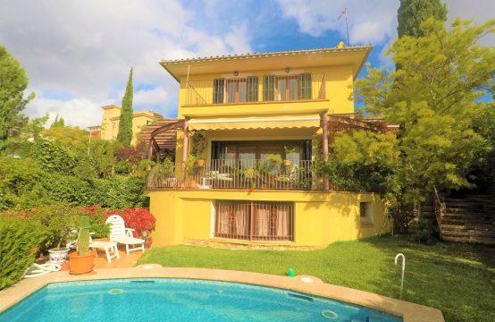 Villa cerca de Palma y del Golf Son Vida con licencia turística