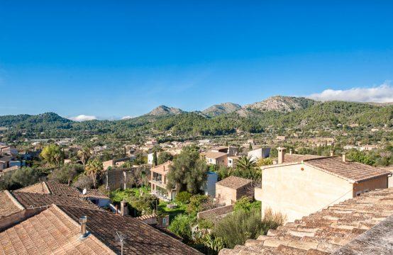 Amplia casa con casa de invitados, jardín y vistas sobre S'Arraco