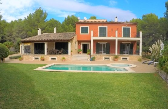 Chalet with rental license, pool and garden in Costa de la Calma