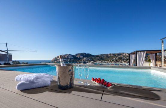 Neubau-Luxus-Penthouse mit Hafenblick in Puerto Andratx