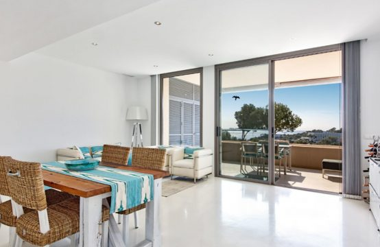 Sea view apartment in a modern complex – Cala Fornells