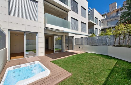 Exclusive garden apartment with roof terrace & pool as first occupancy in Port Andratx