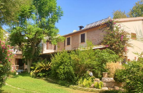 Moderne Finca mit Garten & Pool in S'Arraco