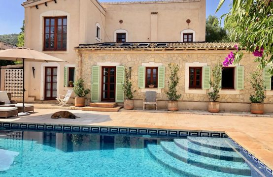 Exceptional finca near the port with pool and beautiful garden