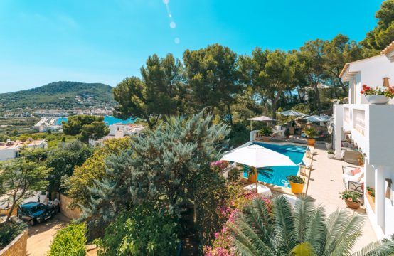 Generous Villa with harbour views within walking distance of Port Andratx