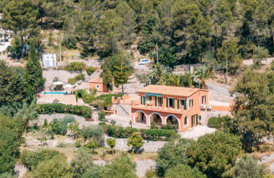 Galilea: Modernisierte Finca mit fantastischem Panoramablick und Pool
