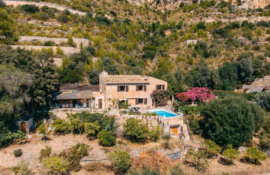 Andratx: Charming finca in an idyllic landscape