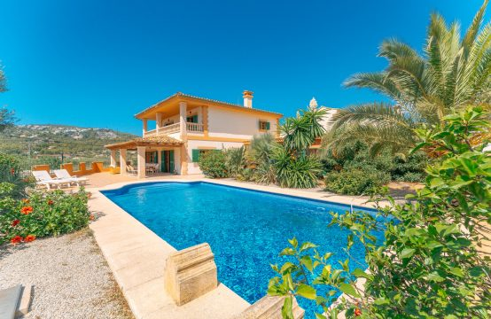 Port Andratx: exceptional finca with holiday rental license within walking distance of the port